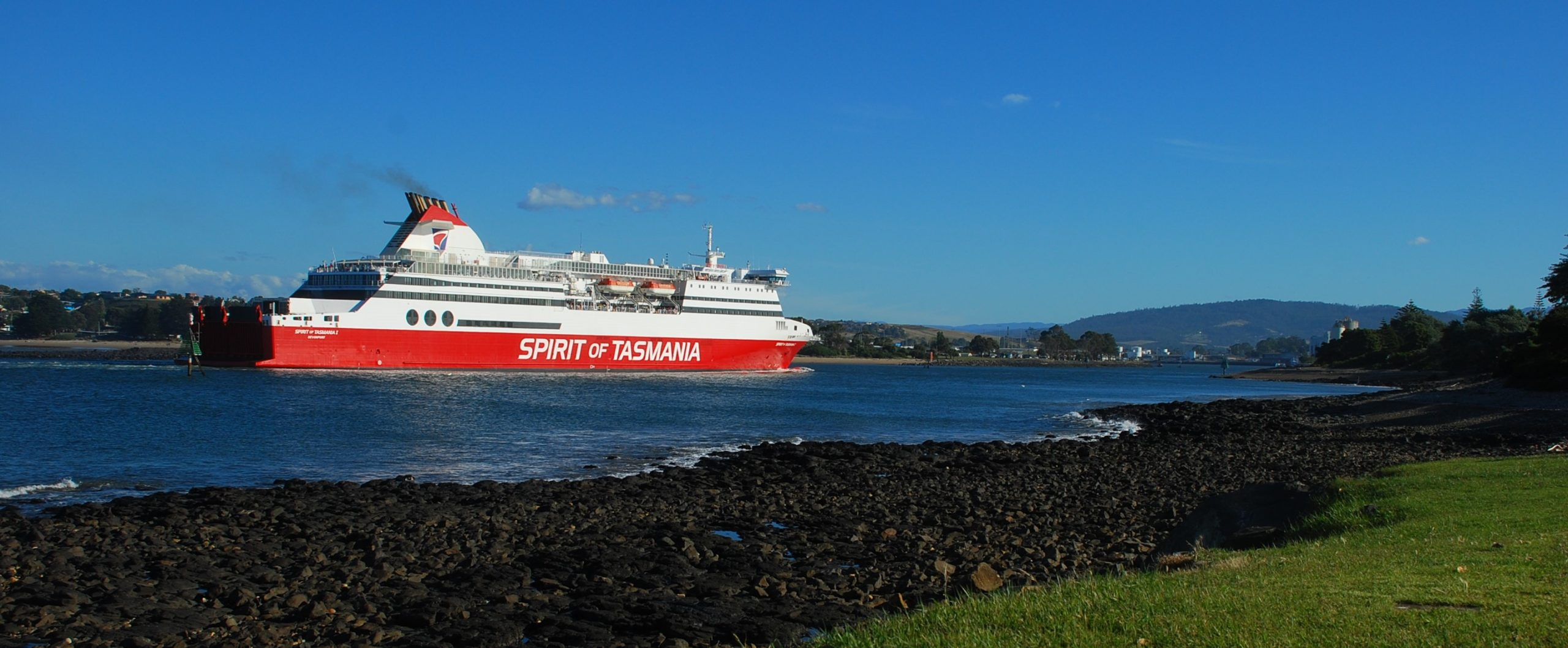 Abel Tasman Caravan Park in Devonport - Watch the Spirit of Tasmania Sail Past