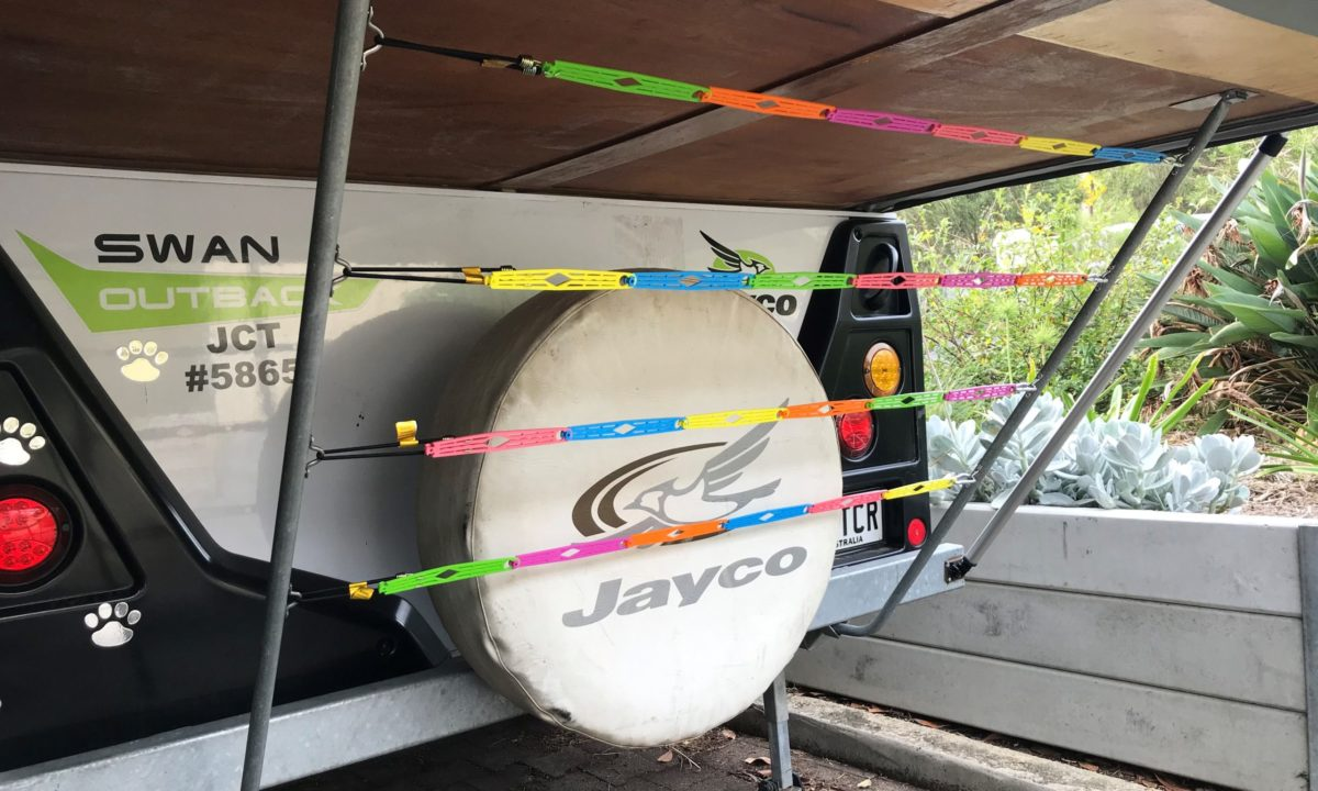 Jayco camper trailer bed clothesline modification - hang between the support poles