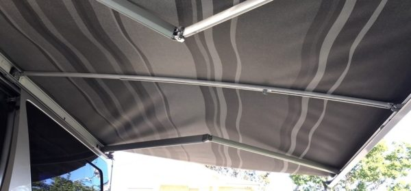 Fiamma Curved Centre Rafter